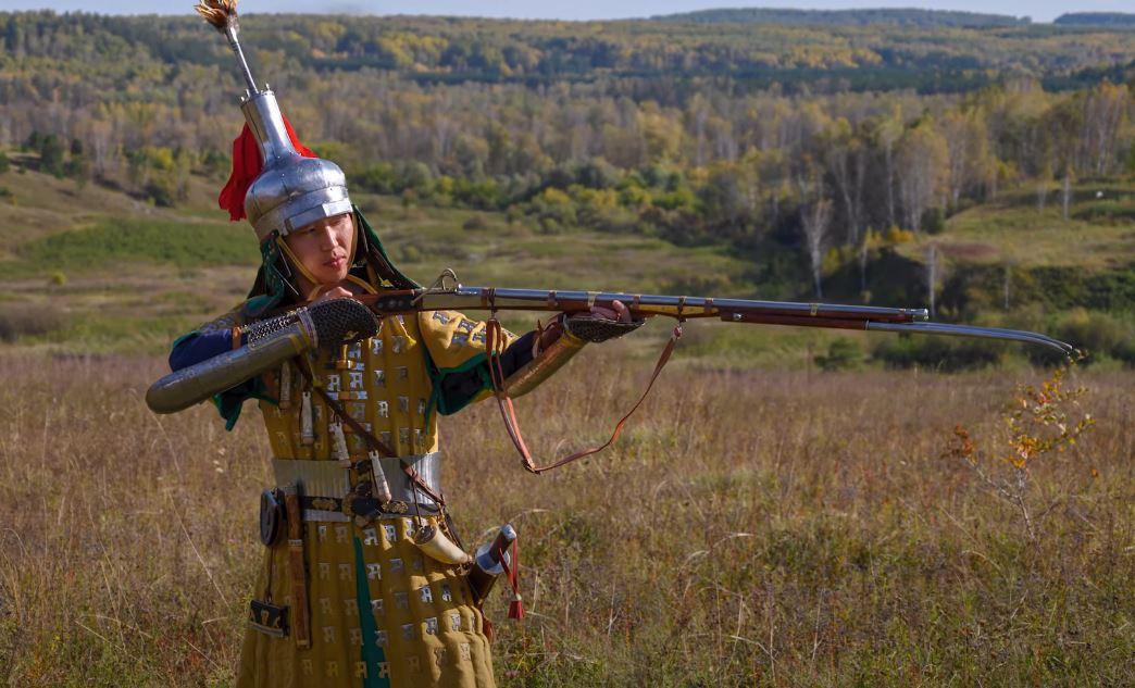 Джунгарские пехотные полки были вооружены огнестрельным оружием и представляли собой грозную силу